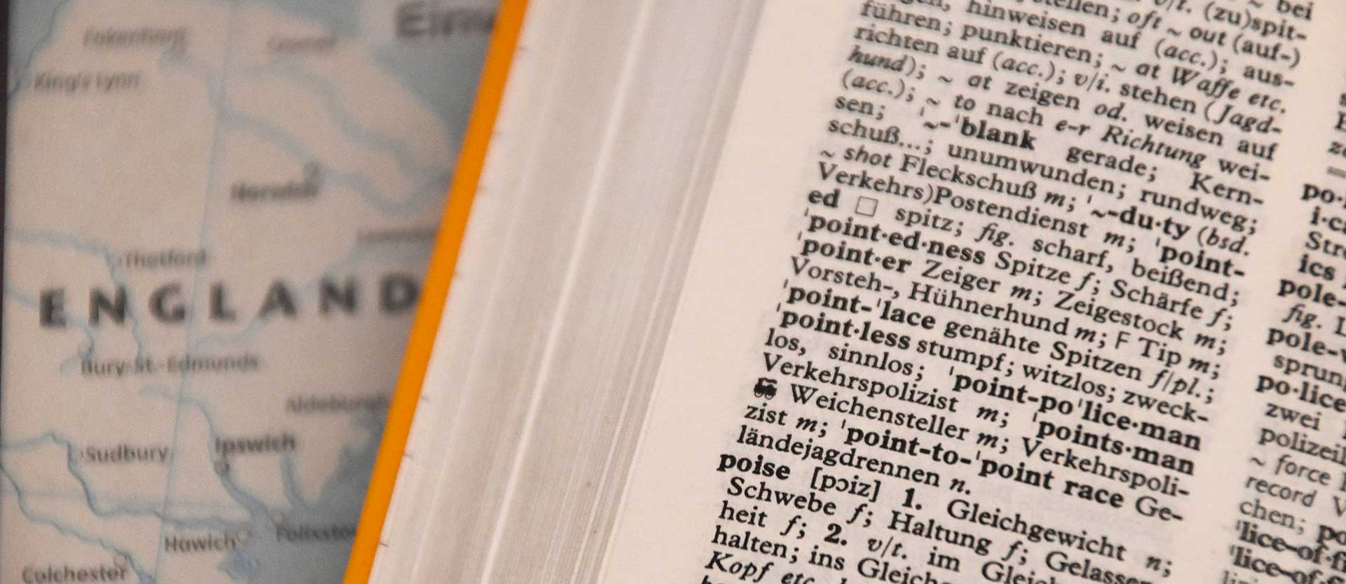 Modi di dire inglesi e italiani: quando la traduzione letterale non funziona